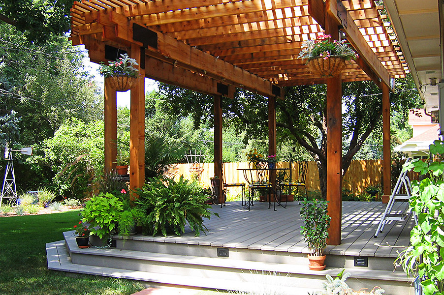 Garfield Deck Pergola and Plants