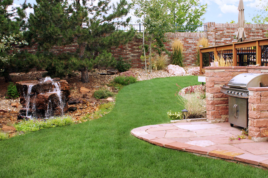 Water Feature and Outdoor Kitchen